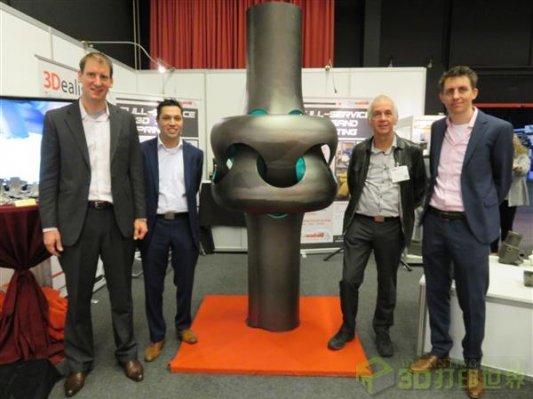 """荷兰展出2.3米高的3D打印金属""""绳结""""雕塑"""