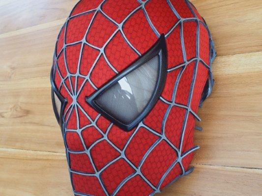 荷兰设计师耗费12年3D打印蜘蛛侠面具