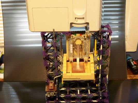 如何用60美元和乐高玩具DIY光固化3D打印机?