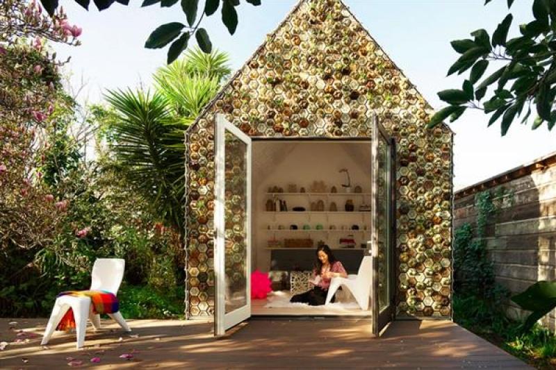 想要吗?4500块3D打印瓷砖建成的清雅小屋,墙上挂满多肉植物