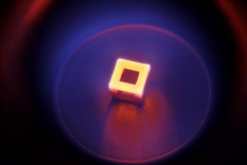 价值不菲呀!澳洲大学发现钻石能改善3D打印钛植入物的生物相容性