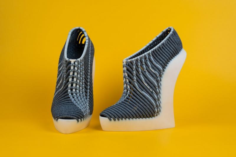 这款3D打印鞋,常人都有点无法欣赏的高度!