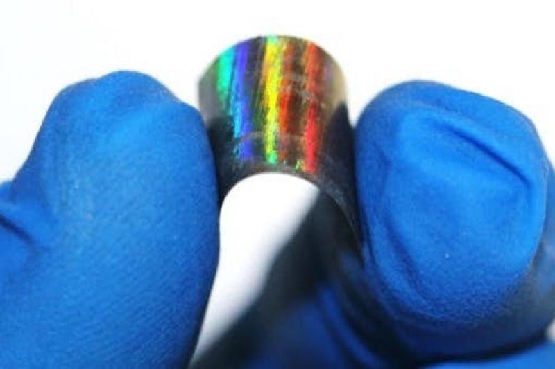 """""""金属木材""""使镍与钛一样坚固 但轻了1/5"""