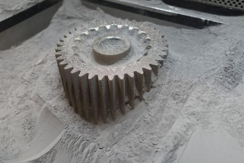 突破界限!金属粉末专家Heraeus展出轻量大件3D打印非晶态金属部件