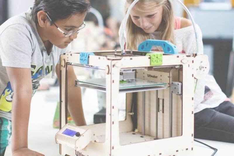 """劳斯莱斯在英国推出首个""""初等教育3D打印中心"""""""