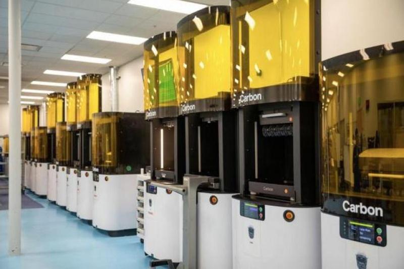 Carbon向3D打印机客户发送医疗面罩设计