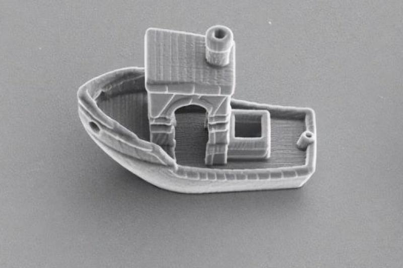 比头发丝厚度少三分之一,3D打印制造出了世界上最小船只
