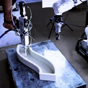 奥地利初创企业发布多功能建筑机器人原型