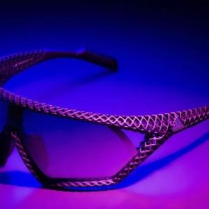 下月开售,阿迪达斯的新型3D打印太阳镜重量仅20克