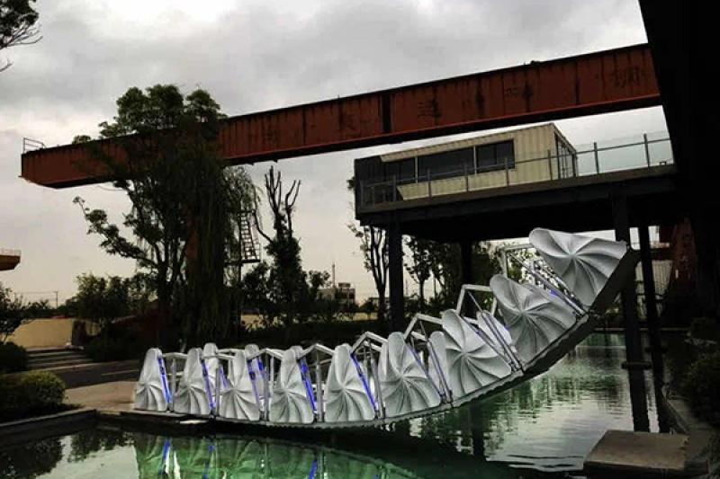 中国首座3D打印的伸缩桥亮相上海,安装重力自动预警系统