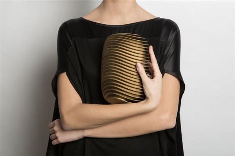 钟情3D打印手包的Maison 203  这次又在巴黎放了一次时尚大招