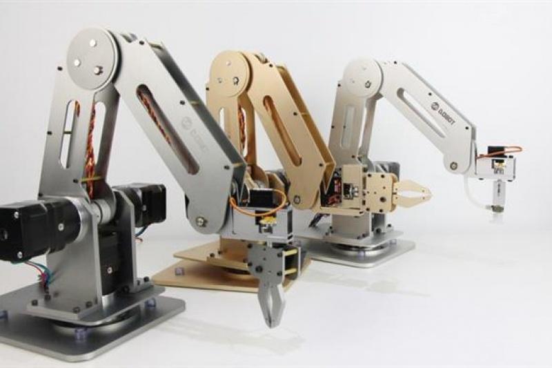 """能3D打印!智能机械臂Dobot要登上2017""""CCTV网络春晚""""啦"""
